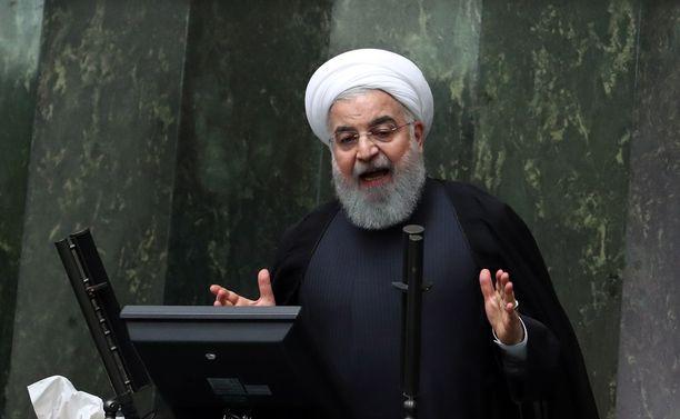 Iran vakuutteli vuosikaudet, että sen ydinohjelma oli täysin rauhanomainen. Kuvassa presidentti Hassan Rouhani.
