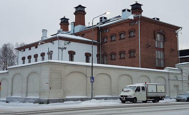 Eduskunnan oikeusasiamies antoi Mikkelin vankilan johtajalle ja apulaisjohtajalle huomautuksen väärien tietojen antamisesta.