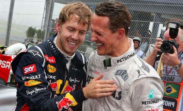 Michael Schumacher halusi Ferrarin palkkaavan Sebastian Vettelin.