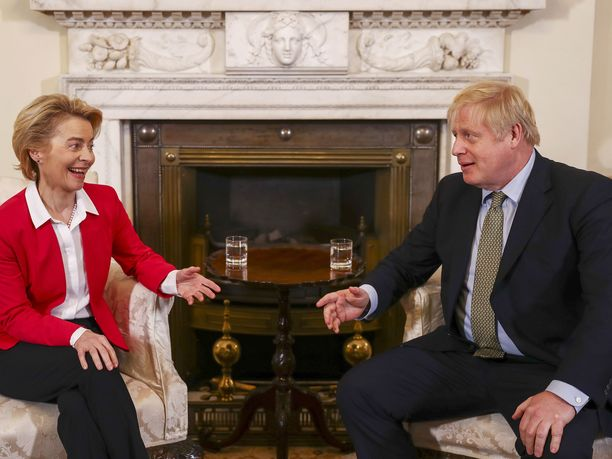 EU-komission puheenjohtaja Ursula von der Leyen ja Britannian pääministeri Boris Johnson jatkavat tänään neuvotteluitaan.