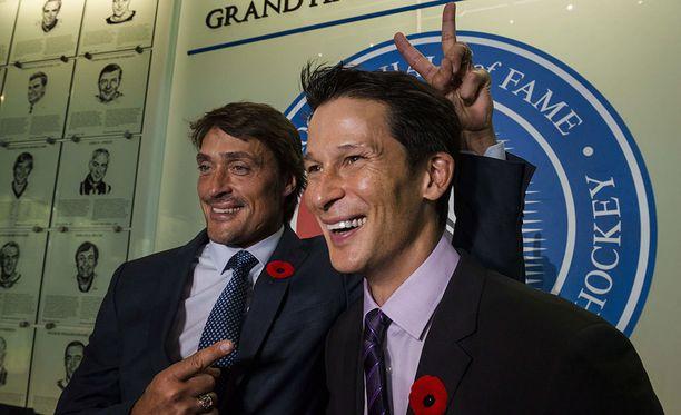 Teemu Selänne ja Paul Kariya ovat esiintyneet Hall of Fame -viikonloppuna pitkästä aikaa yhdessä.