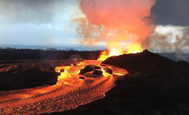 Kilauean magman mukana ilmaan on lentänyt jalokiviä.