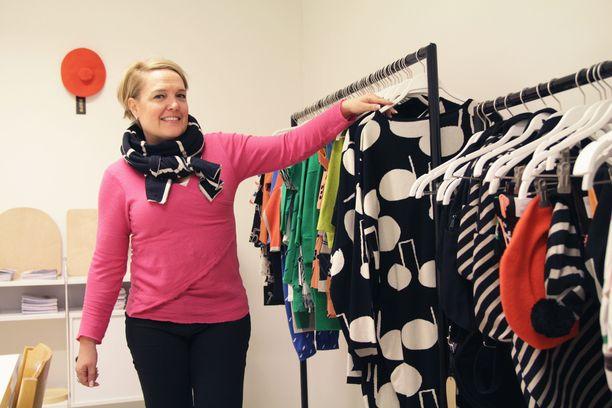 Anu Vauhkonen kertoo yllättyneensä siitä, kuinka isosti Papu myy myös naistenvaatteita. Papu mielletään helposti vain lastenvaateliikkeeksi.