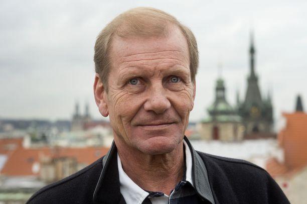 Juha Kankkunen odottaa tulevalta rallikaudelta jännittävää mestaruustaistoa.