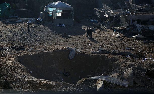 Israelin Gazaan tekemissä ilmaiskuissa kuoli kaksi palestiinalaista varhain lauantaiaamuna.