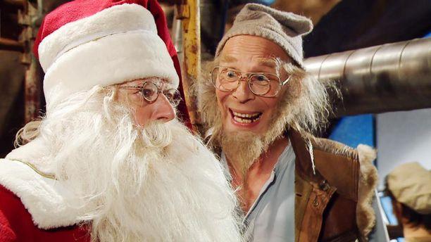 Joulupukki ja keksijätonttu Sherlokkinen kohtaavat Ylen Joulukalenterissa.
