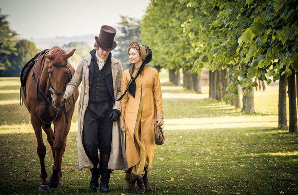 Pemberleyn kartanon tragediassa Norton nähdään Henry Alvestonina. Vierellä Jane Bennet eli näyttelijä Alexandra Moen.