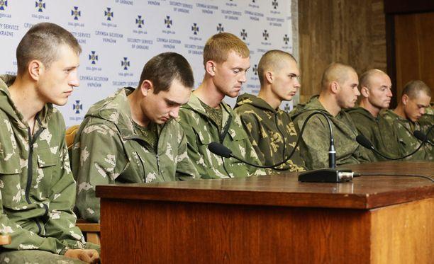 Sotilaat vangittiin Donetskin alueella Itä-Ukrainassa. Venäjän mukaan miehet olivat eksyneet vahingossa rajan yli.