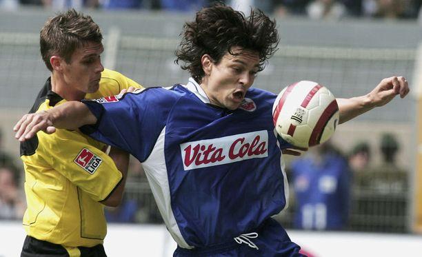 Jari Litmanen pelasi Hansa Rostockissa 2005. Seura putosi kakkosliigaan.
