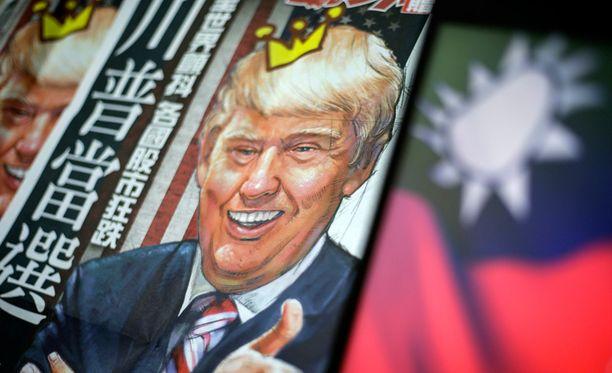 Yhdysvaltain tuleva presidentti Donald Trump on aiheuttanut huolta Kiina-kommenteillaan. Kuvassa Trump kuvattuna taiwanilaisen sanomalehden kannessa.
