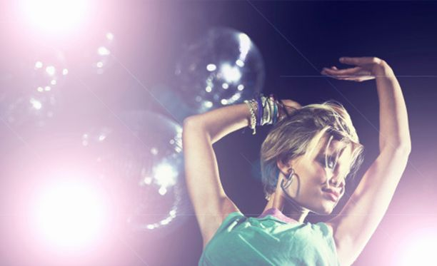 Tanssiminen kuuluu hyvään klubi-iltaan.