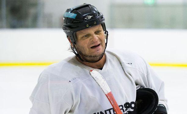 Riippuvuuksiensa kanssa paininut Marko Jantunen lopetti liigauransa runsaat viisi vuotta sitten.