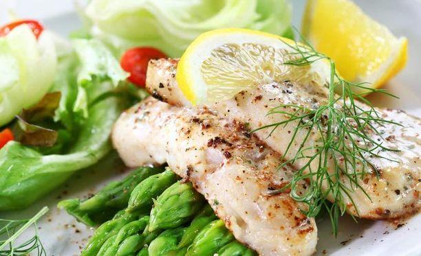 Ihoaan hellivän kannattaa sisällyttää ruokavalioonsa kalaa, kasviksia ja oliiviöljyä.
