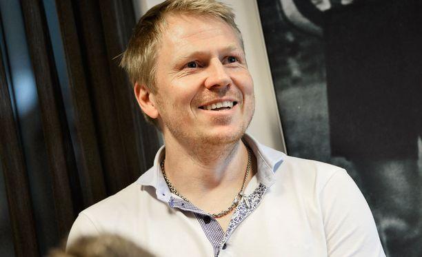 Aki Riihilahti valittiin todelliselle näköalapaikalle.