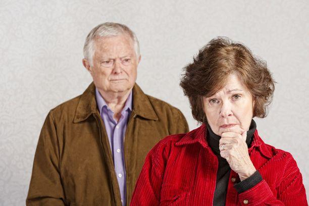 Masennus on hyvin yleistä Alzheimerin tautia sairastavilla.
