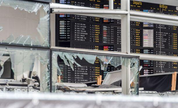 Terroristit tekivät tuhoisan iskun Brysselin lentokentälle ja metroon.