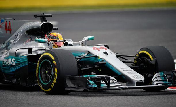 Lewis Hamilton johti kisaa alusta loppuun.