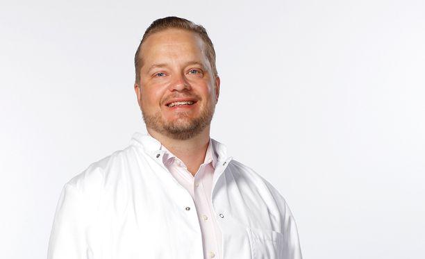 Mehiläinen NEO Estetiikan plastiikkakirurgi Esko Veräjänkorva.