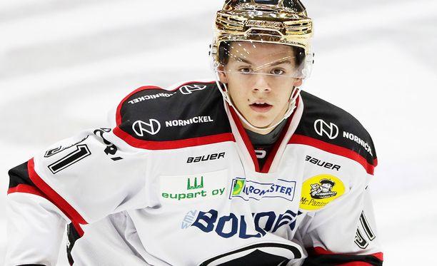 Jesperi Kotkaniemi on kantanut Ässissä jopa kultaista kypärää.