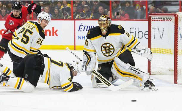 Boston Bruinsin Tuukka Rask torjui kauden toisen nollapelin vierasottelussa Ottawa Senatorsia vastaan.