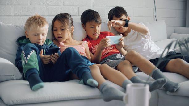 Hatch Kidsissä on perinteisten pelien lisäksi pelejä joissa voi oppia esimerkiksi matematiikkaa ja kieliä.