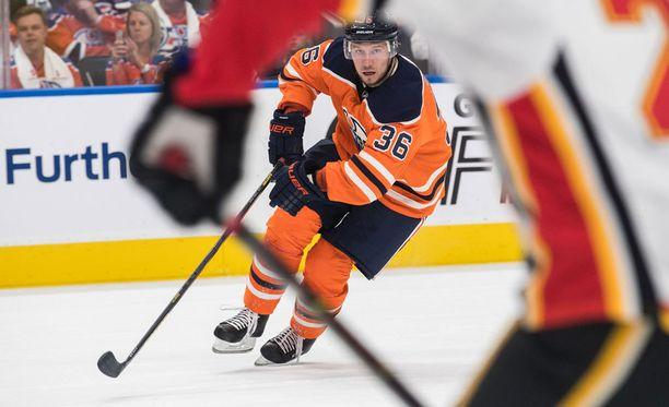 Kauden alku ei ole sujunut Edmontonissa odotusten mukaan. Myös Jussi Jokisen aika uudessa seurassa on alkanut tahmeasti.