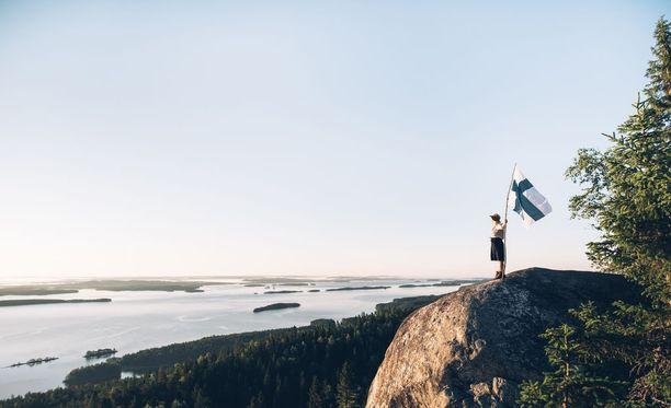 Suomi on maailman ensimmäinen maa, joka virallisesti liputtaa luontonsa puolesta elokuun viimeisenä lauantaina.