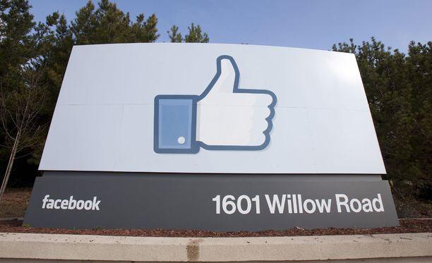 Viranomaiset voivat pyytää Facebookia piilottamaan sisältöä, jos se on kyseisen maan lain vastaista. Suomen pyyntöihin Facebook ei ole suostunut.