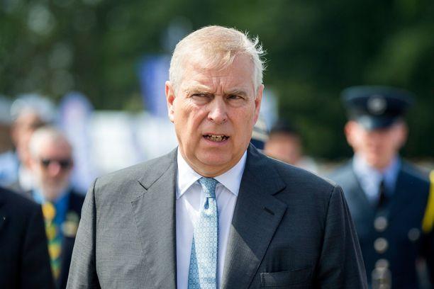 Prinssi Andrew, 59, on kuningatar Elisabetin toiseksi vanhin poika.