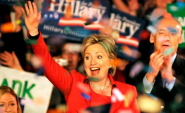 Presidentiksi haluava Hillary Clinton voitti Bernie Sandersin demokraattipuolueen Nevadan osavaltion vaalikokouksissa.