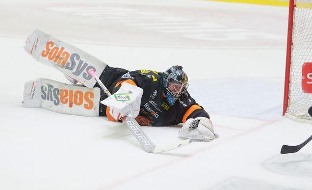 Juha Järvenpää turhautui rankasti kotitappion jälkeen.