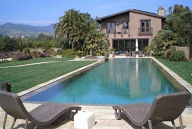 Pink osti miehensä kanssa kuuden makuuhuoneen asunnon melkein 12 miljoonalla dollarilla.