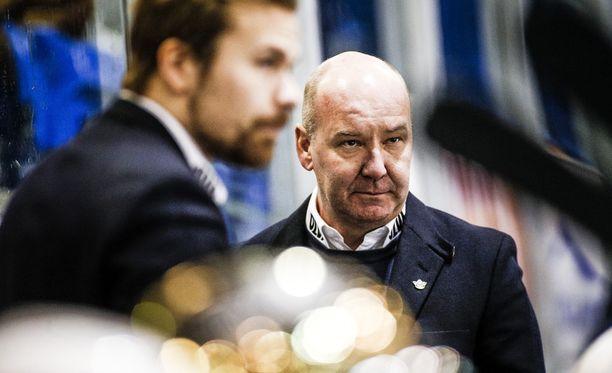 Petteri Hirvonen jätti RoKin yhdeksän ottelua ennen runkosarjan loppua.