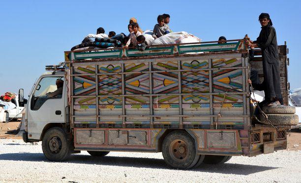 Monia syyrialaisperheitä on joutunut pakenemaan Deir Ezzorista Isisin takia.
