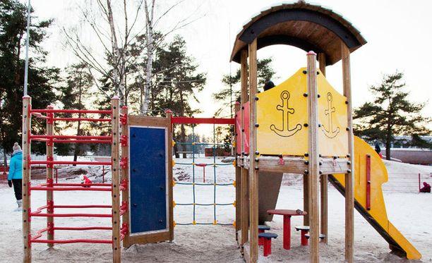 Honkaistentien päiväkoti on yksi niistä Turun Hirvensalon päiväkodeista, joiden pihassa on tehty hengenvaarallista ilkivaltaa.