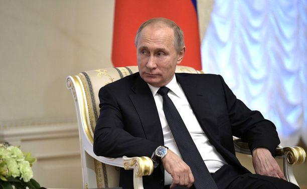 Putin voi tehdä kiusaa tuleville olympialaisille niin, että lakimuutoksella paikallisen kiekkoliigan KHL:n pelaajat jätetään ulos.