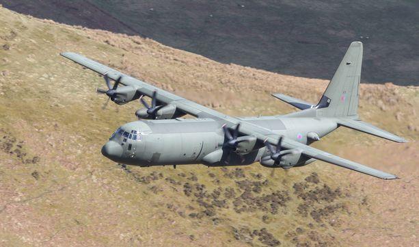 C130 Hercules -mallisen tankkerikoneen epäillään pudonneen Australiassa. Kuvan koneyksilö on kuvattu Ison-Britannian ja Yhdysvaltojen ilmavoimien yhteisharjoituksessa Walesissa.