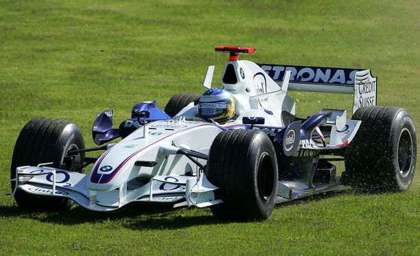 Nick Heidfeldin vanha kilpa-auto on myynnissä.