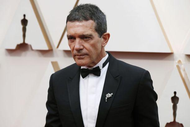 Antonio Banderas kuvattiin helmikuussa Oscar-gaalan punaisella matolla.