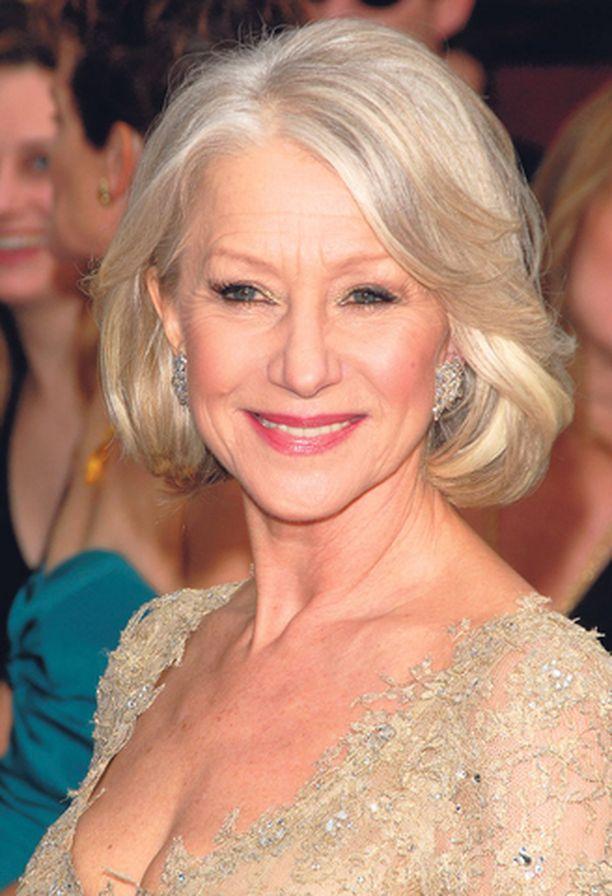 TUNNETTU KASVO Näyttelijä Helen Mirren säteili tämän vuoden Oscar-gaalassa Jane Iredale- mineraalimeikissä.