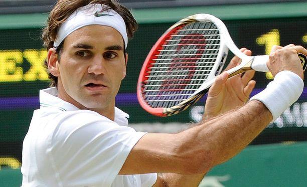 Roger Federer tipahti kahtena edellisenä vuonna Wimbledonissa jo puolivälierässä.