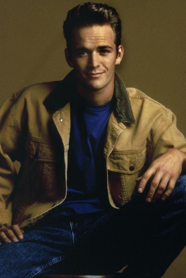 Luke Perryn poikamainen charmi hurmasi 90-luvulla.