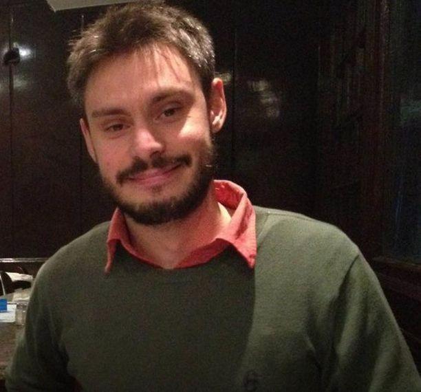Regeni opiskeli maineikkaassa Cambridgen yliopistossa Englannissa.