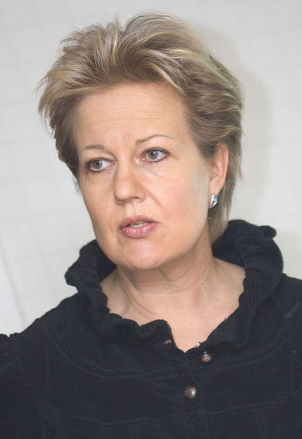 Lennolla oli matkustajana muun muassa liikenne- ja viestintäministeri Suvi Lindén.