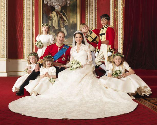 Tänään lauantaina Catherine ja William juhlivat kuudetta vuottaan avioparina.