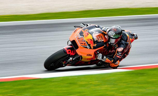Mika Kallio pääsee pitkästä aikaan ottamaan tuntumaa MotoGP-kisoihin.