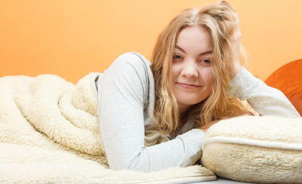 Ihminen ei nukukaan parhaiten viikonloppuisin, väittää tutkimus.