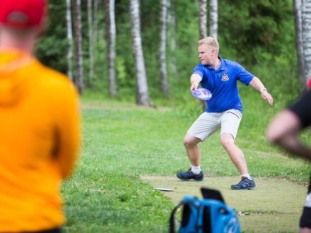 Janne Hirsimäki toimi MM-kultaa voittaneen Suomen kapteenina.