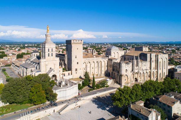 Etelä-Ranskan Avignonissa asuu reilut 90000 ihmistä.