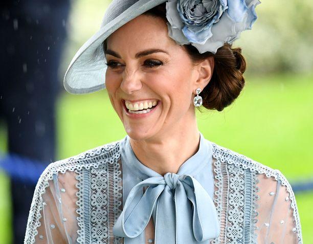 Herttuatar Catherinea nauratti laukkakilpailuissa moneen otteeseen.